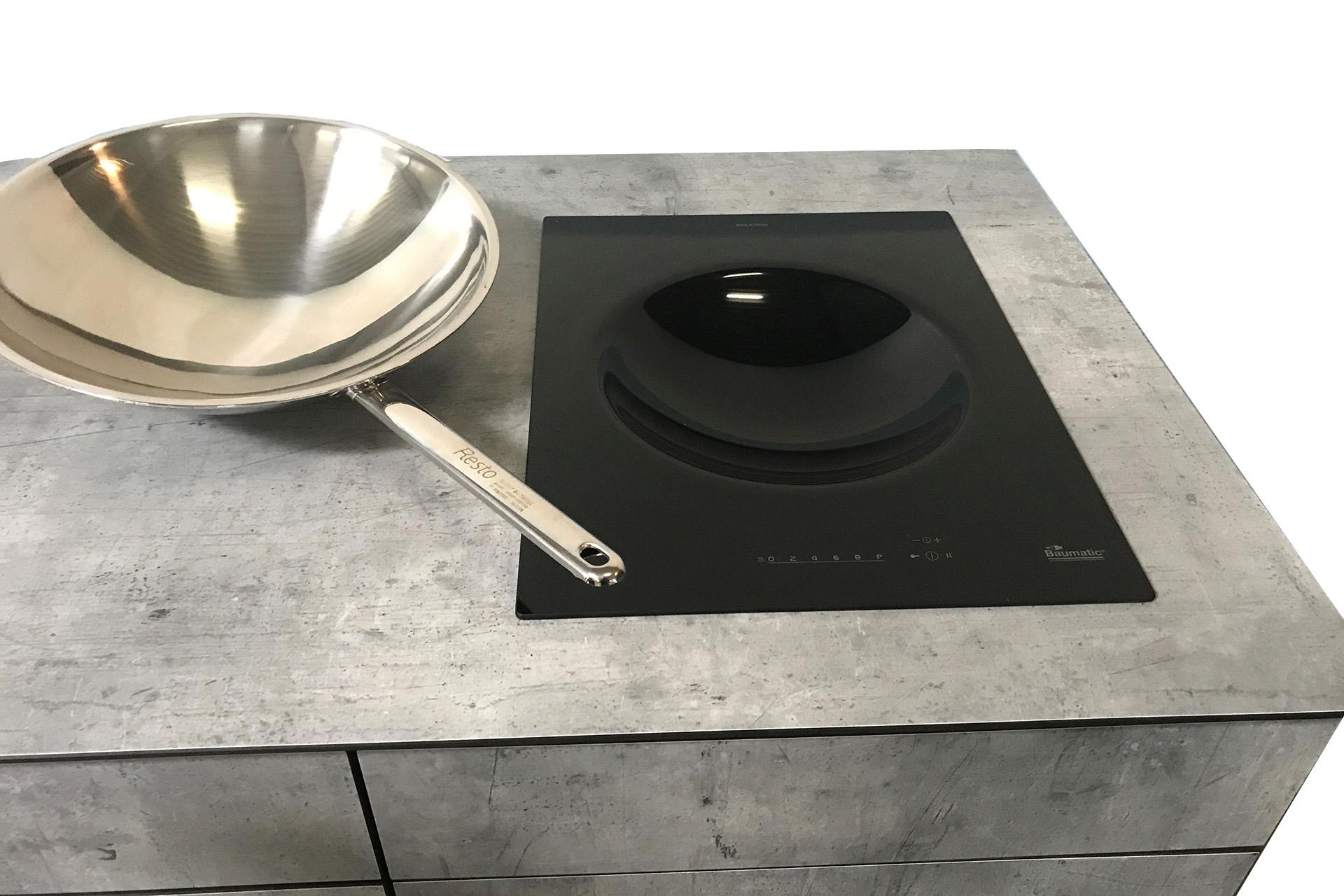 Wok Induktionsplatte in Outdoorküche